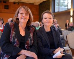 MdL Kathi Petersen (links) und ihre Kollegin Helga Schmitt-Bussinger