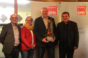 Freuen sich mit Wolfgang Stahl (3. von links): von links: Egon Friedel, Karoline Karg, René van Eckert